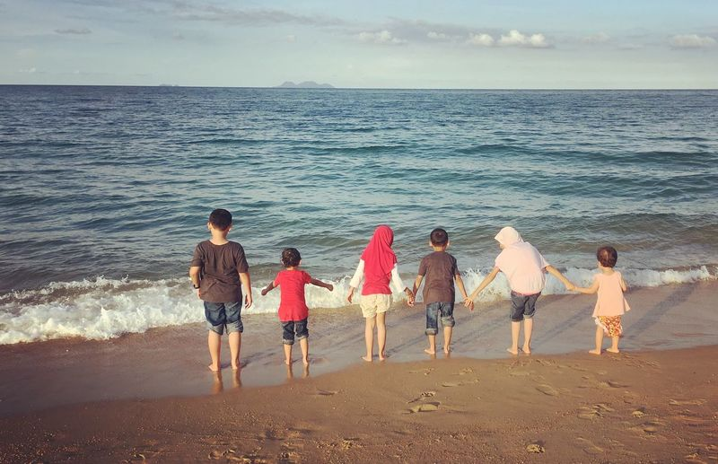 Outdoors Sea Horizon Over Water Beach Water Childhood Scenics Leisure Activity Real People Day