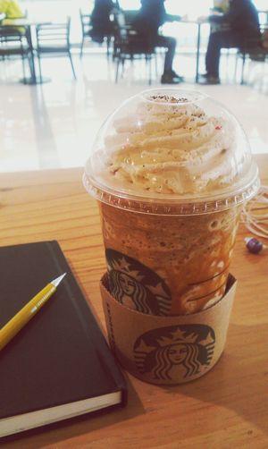에스프레소칩프라프치노 벤티+ 카라멜드리즐 Starbucks Coffee Lunch Time!