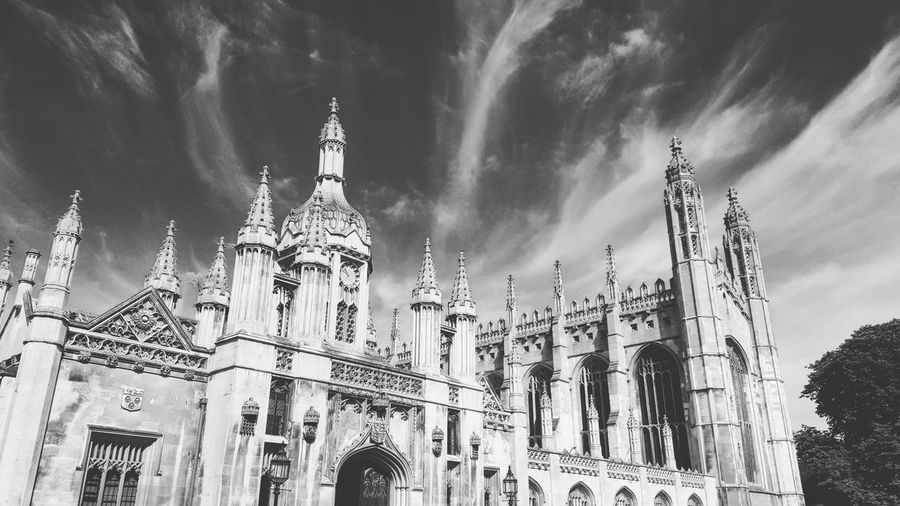Smartphonephotography Blackandwhite College Architecture Oldbuilding Cambridge College Kingscollege Politics And Government City Government Politics History Sky Architecture Building Exterior Built Structure Gothic Style