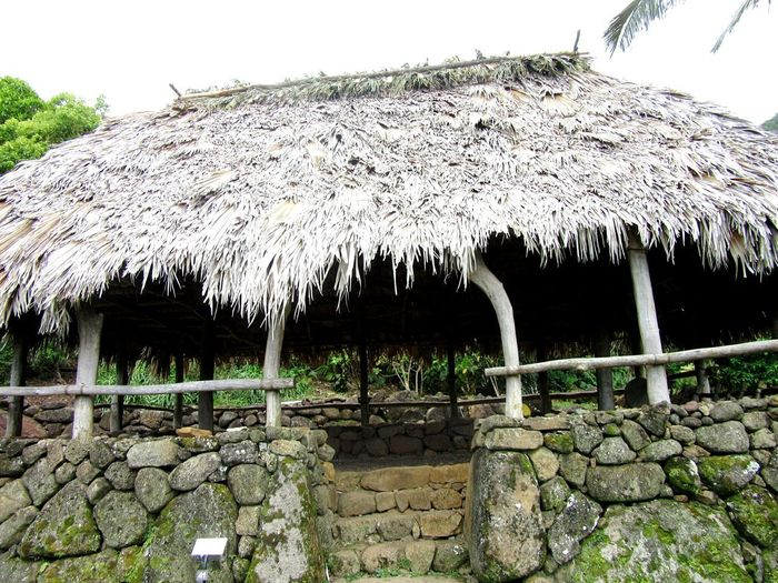 Built Structure Architecture Building Exterior Outdoors No People Day Nature Limahuli Gardens Life Back Then Man Made Object A Look Into The Past Hut Homes Back When Thatched Roof