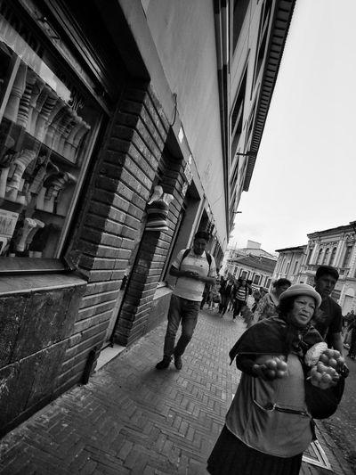 Quito, Ecuador. 2015. ©Gustavo Mondragon ©La Calle Foto. Lacallefoto Streetphotography Streetphotographers Latinstreetcollective Latinstreetphoto BlackandwhiteQuito Ecuador Lumixg3