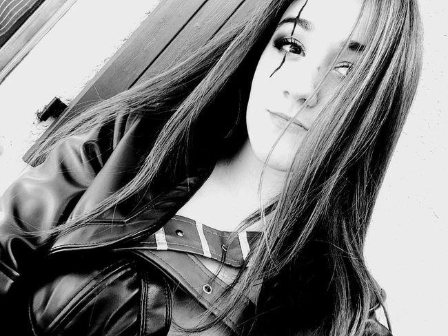 Katarina Selfie Today's Hot Look That's Me Beauty Girl People Beautiful Selfportrait Black & White