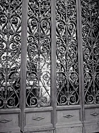 Design Pattern Gate Architecture Close-up Metal Art And Craft Floral Pattern Safety Decoration Creativity Patterned Wrought Iron Full Frame Entrance Outdoors Repetition Architectural Feature Day Architecture And Art