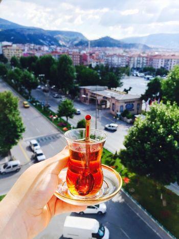 çay var içersen.. Ben var seversen 😀 Sehir çay Bayram Hello World Happy Drinking Love City City Life