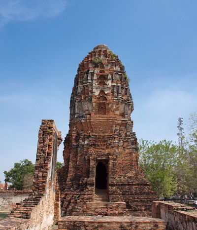 Ruins Ayutthaya Ayutthaya | Thailand Thailand Watmahathatayutthaya Ancient Ancient Civilization Ancient History Archaeology Architecture Building Exterior Built Structure History Low Angle View Old Ruin Place Of Worship Religion Sky Spirituality The Past Tourism Travel Travel Destinations Watmahathat