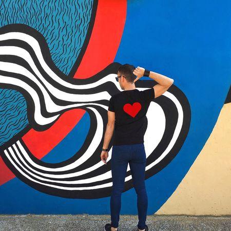 Listen to your heart When he's calling for you Listen to your heart There's nothing else you can do 🎶 (Roxette) . 🌌🌌📕📘📘 🌌📕📘📘📘 🎹🎹❤️👈🏻📘 📕📘🚶🏻📘📘 ➖➖➖➖➖ Wallsandpeople Colorful Strongramer Instagramer Eyeemspain Myemojisreality Toni_laoshi Colors València