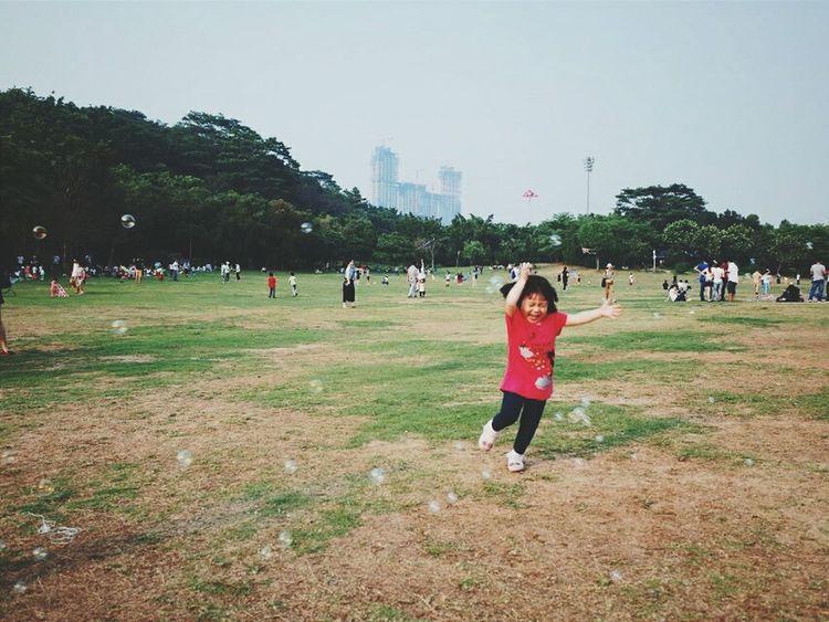 Kid Childhood Capture The Moment Park Kids Bubbles
