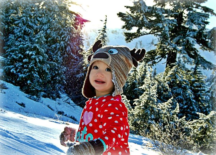 Took the girls up to the mountain to do a little Christmas shoot for the grandparents! It was her first time in the snow and she just loved it! Deepfreeze First Snow Loving The Snow Mt. Baker Joy Enjoying The Little Things Baby Niece All Smiles Enjoying Life Love These Moments
