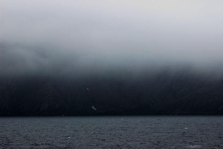 Berge Nebelschwaden Nordekap Wolken Day Nature No People Water
