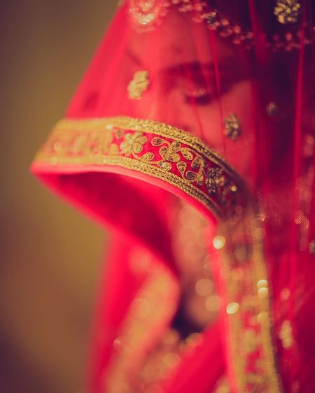 Teenage Girls Hello World Beautiful Lndian Handicraft Design Lndigo Bunting Lndia Tree Village Lndian Red One Person SelfportraitOne Woman Only Cultures Adults Only Lifestyles People Traditional Clothing Adult Close-up Indoors  Women Sari Human Body Part Only Women Human Hand Day