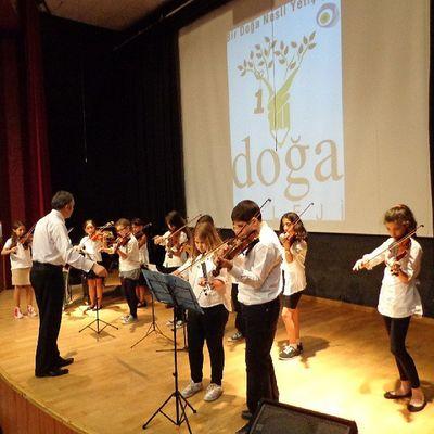 Ve tam kadro sahnedeyiz Keman Festivali Violin Acarkent Doğa Koleji DoğaKoleji Gfarukunal BeykozDoğa