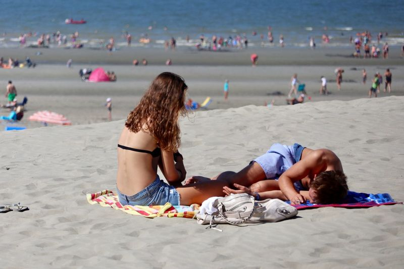Undressed Sleepy Relax Girl Boy Cople Holiday Water See Belgiumcoast Belgium Nieuwpoort Love Beach Land Sand Holiday Trip Vacations Women