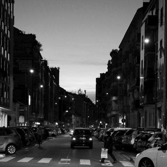 Street Light Illuminated Sky City Outdoors Architecture Blackandwhite Photography Black And White Streetphoto_bw Streetphotography City Life Street Photography Twilight City Street Cityscape