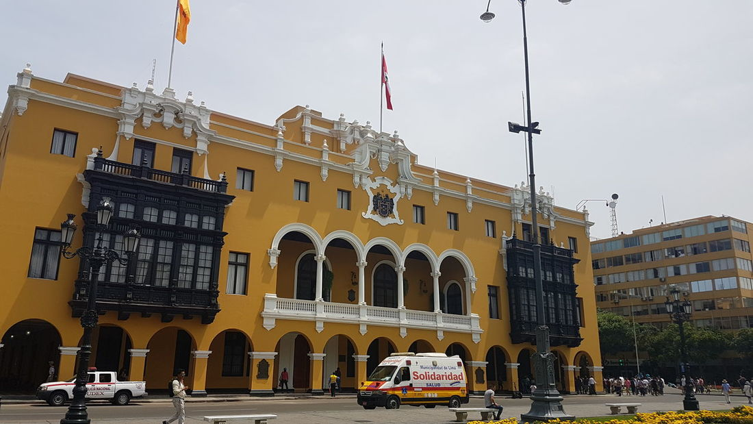 Travel Destinations Government City Old Architecture Check This Out! Architecture Outdoors Old Buildings Old But Awesome Architecture Facade Lima,Perú