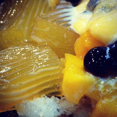 Supreme Mango Milk Crushed Ice with Pearls and Cake Jelly from MeetFresh