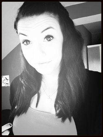Brown Eyes sie strahlen so ♡ Egal Wie Stark Ein Mädchen Ist, Wenn Sie Verliebt Ist, Ist Sie So Verletzlich Wie Ein Kleines Kind.! true Story bro.. ! Love <3 M♥ big smyle when i see him.. ♥