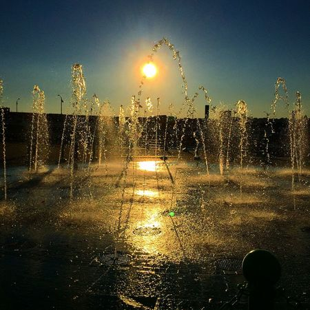 Sunset Water Fountain Water Droplets Golden Hour Light Riverside NYC New York Small And Swift