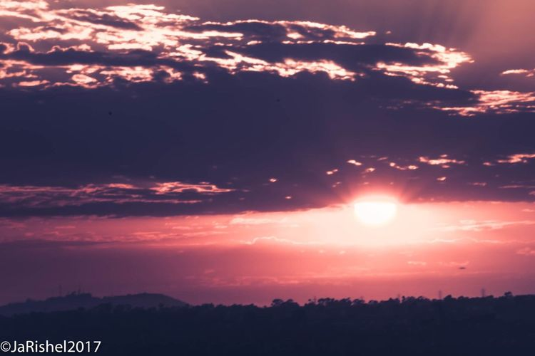 Sunset Sky Sun Silhouette Scenics Beauty In Nature Cloud - Sky Nature Tranquility Tree Tranquil Scene No People Sunlight Outdoors Day Astronomy San Diego Ca Travel Destinations Taken from SDSU over looking Interstate 8 and Mission Valley. Sommergefühle