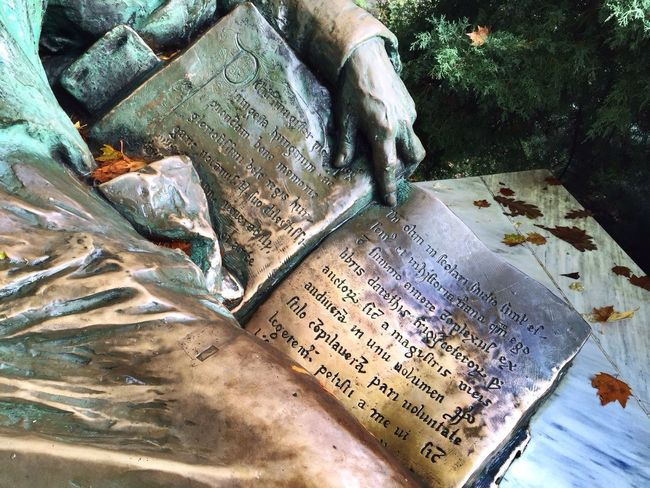 Text Anonymus Statue Codex Bronze Bronze Statue Patina Medieval Gothic Hungarian Primer Tranquility Stillness