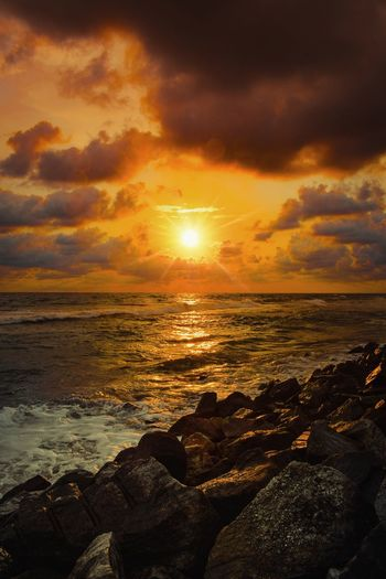 sunset Sunset Evening Heaven Gods Own Country Kerala Water Low Tide Wave Sea Sunset Beach Horizon Multi Colored Beauty City Romantic Sky Dramatic Sky Headland Calm Salt Basin Ocean Majestic Sky Only Atmospheric Mood Moody Sky Coastal Feature Cloudscape Surf Bay Of Water Reef My Best Photo