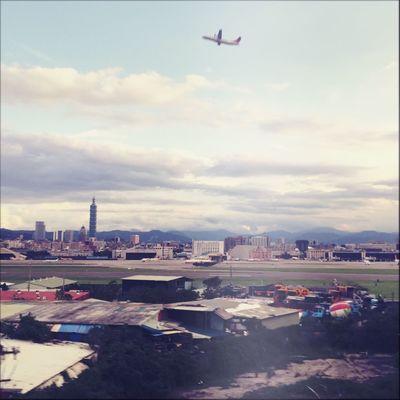 Taiwan Taipei Airport Garageimg Airplane Upintheair City Tranquility