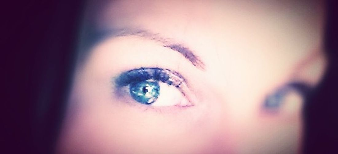 Bright Eyes Blue Eyes Human Eye Human Body Part One Person Human Face Eyebrow Eyelash Eye Close-up Eyesight Looking At Camera Beauty Young Woman Iris - Eye EyeEm Eyes Self Shot Sparkly Blue Happiness One Woman Only EyeEm Vision EyeEmBestEdits