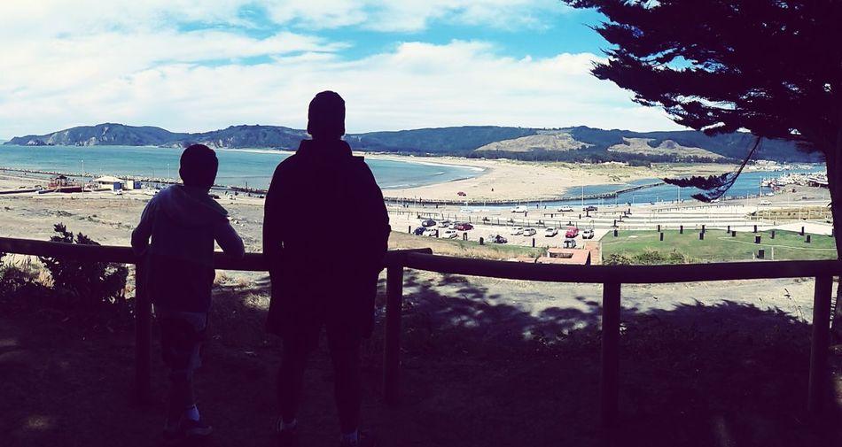 Padre e hijo ❤ Padre E Hijo Paseando Por La Playa Cielos Y Mares Father & Son Paseando :) Pensando EyeEm Best Edits