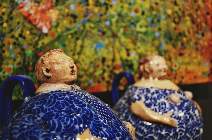 Cherubs made by Talavera, in Puebla, Mexico. Talavera is a type of maiolica pottery, which is distinguished by a white glaze. Maiolica Pottery Art Pottery Pottery Talavera Pottery Pieces Pottery Passion Tradition Religion And Beliefs Mexico Talavera Poblana Ángeles Cultures Tradition Spirituality Multi Colored Gallery Of Modern Art Gallery Photography Art Photography Art Gallery Artistic Expression