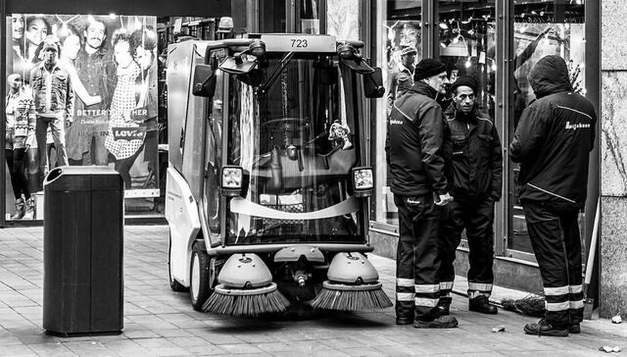 Streetphotography_bw Monochrome Working Day
