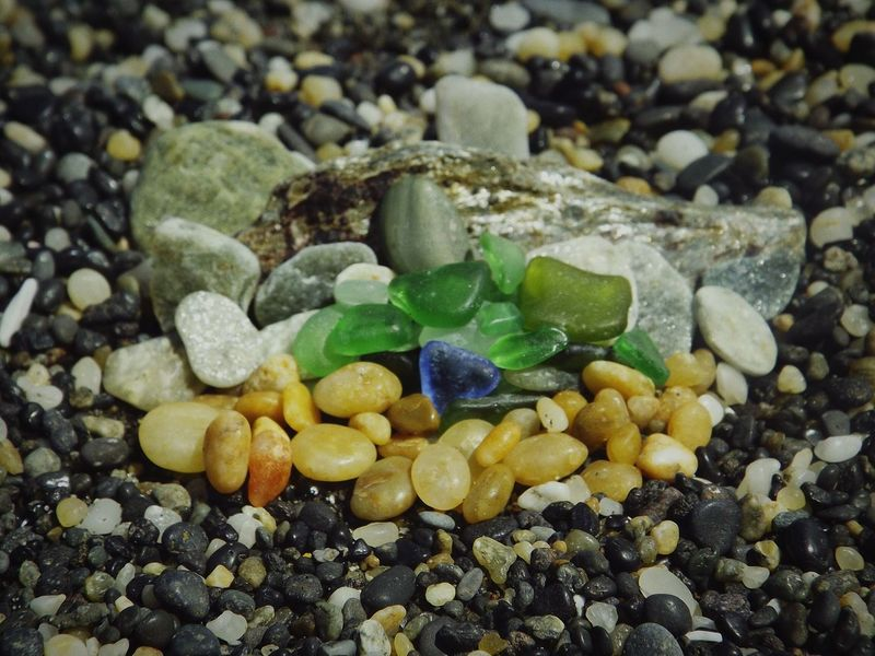 Building on the beach|| I was playing like a little girl on the beach. It was a very relaxing and joyful day. Summertime Pebble Beach Relaxing Joyfulmoment Soft 2 Joyful Beach Playing Check This Out Like A Child