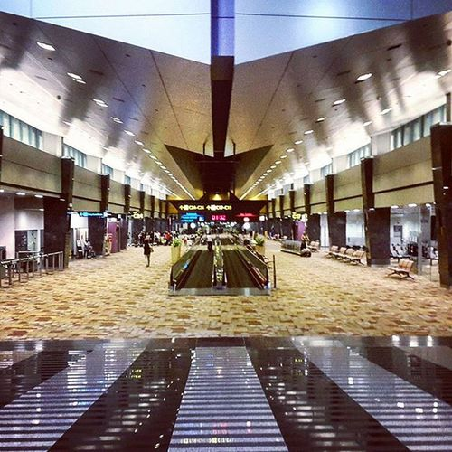 It's Wednesday PhotograFI-Day... Singapore Airport Singapore Airport Symmetry Architecture Shoot2kill Lights Yngkillers Illgrammers Caputreit Ig_captures PhonePhotography Hsinthefield VSCO Streetdreamsmag Streetmobs Photografi Gottaloveit Picoftheday Building Planettravellers Worldtraveler Travelgram Worldcaptures Travel Architecturelovers