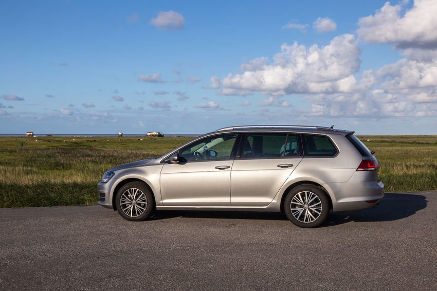 First thing when arriving on your holiday site: Have a look at the sea from afar. Deich  Deutschland Golf Sankt Peter-Ording Sky And Clouds St. Peter Ording Car Dyke  Germany Horizon Over Land Nature No People Road Sky St Peter Ording Variant Volkswagen