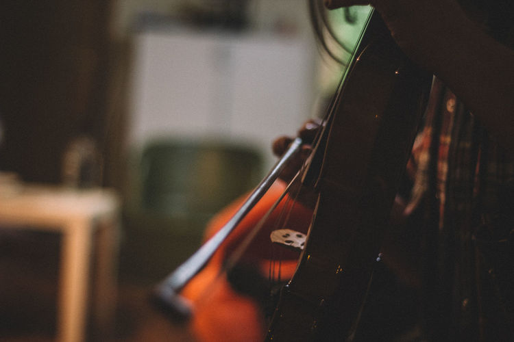 50mm Arts Culture And Entertainment Canon Canonphotography Close-up Depth Of Field Detail Hobbies Holding Home Indoors  Music Music Musical Instrument Musician Occupation Playing Selective Focus Still Life Violin Violinist VSCO Vscofilm