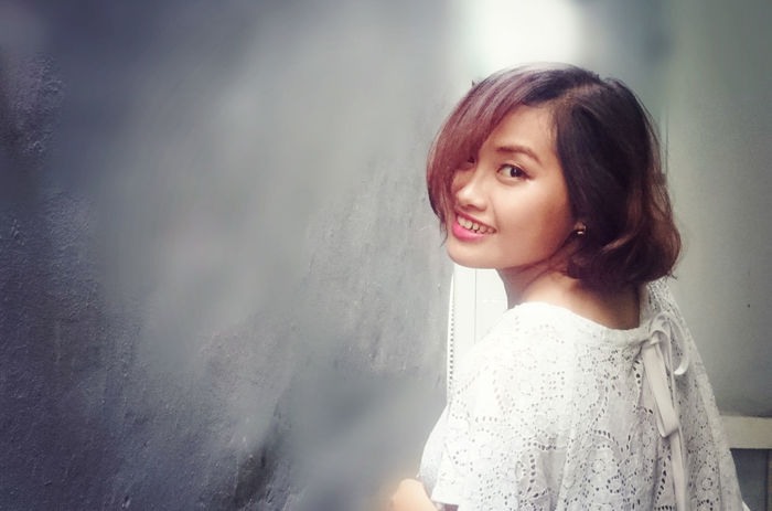 Beautiful Woman Close-up Day Happiness Indoors  Leisure Activity Lifestyles Looking At Camera One Person Portrait Real People Smiling Standing Vietnamese Young Young Adult Young Women Youth Of Today