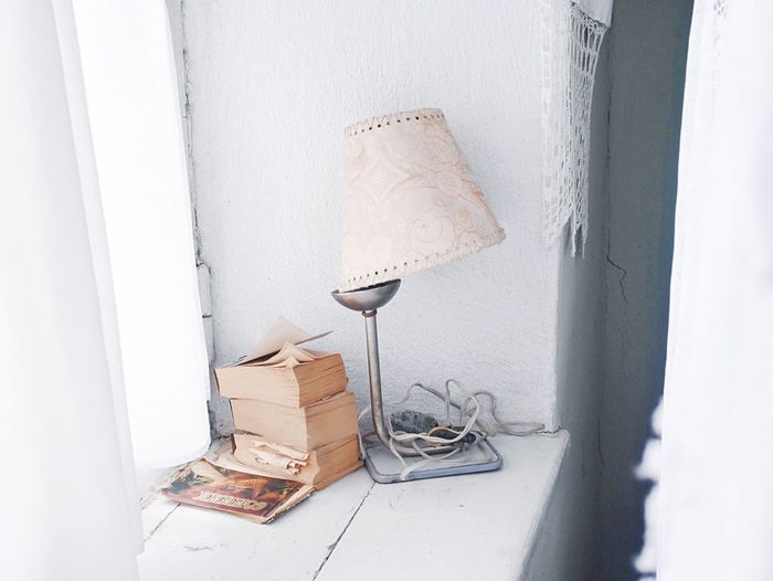 No People Indoors  Day Window Sill At Grandmas Still Life Simplicity Vintage Old Lamp White Memories Nostalgia Old Times