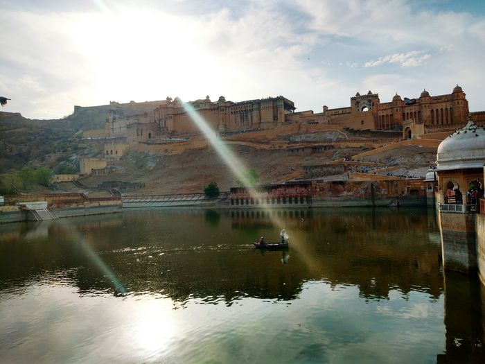 Forts Of India Amerfortjaipur Longwalk Hotday😎 Beautiful Place Awesome Day Awesometime Memories ❤ Lost In The Landscape Reflection Lake Castle Fort Historic History Fortress Old Ruin