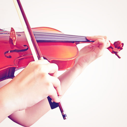 Human Hand Hand One Person Holding Real People Music Musical Instrument Violin Human Body Part White Background Arts Culture And Entertainment String Instrument Women Indoors  Playing Studio Shot Musical Equipment Leisure Activity String Skill  Finger Bow - Musical Equipment Musician Entertainment