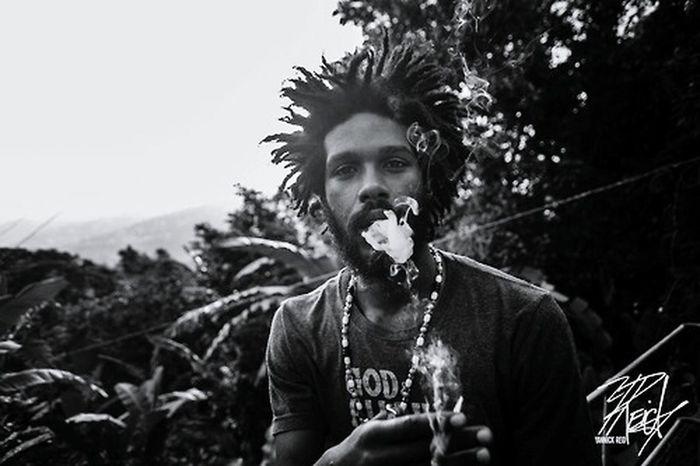 """KoroFyah is a Pan-Africanist and... aspiring farmer."" FULL INTERVIEW: http://t.co/R44TmGsvvV   PHOTO CRED: Yannick Reid Jamaica Check This Out Getting Inspired Rastafari Reggae EyeEm Best Shots - Black + White Black And White Photography Interview Blogging The Portraitist - 2015 EyeEm Awards EyeEm Jamaica"