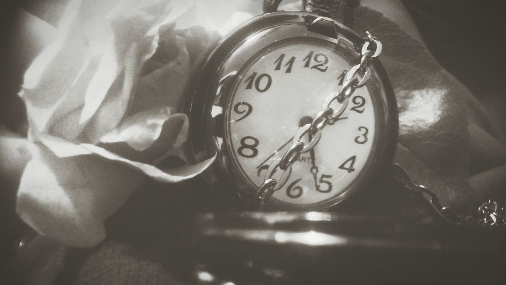Time Clock Minute Hand Close-up Alarm Clock Hour Hand Clock Face Watch Old-fashioned Instrument Of Time Deadline No People Countdown Day Number Timer Second Hand Change