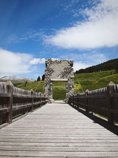 Livigno Valtellina Mountains Alps Bridge Medieval Ruins Sunny Kodachrome Fujifilm Secret: in reality the whole structure has been built a few years ago 😝