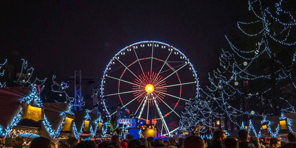 Night Ferris Wheel Multi Colored Illuminated Celebration People Sky Motion Crowd Large Group Of People Nightlife Outdoors Adult Lighting Equipment Lights Belgium Belgique Brussels Brussels❤️ Brussels By Night Brussel / Bruxelles / Brussels Christmas Christmastime Christmas Market Winterfest