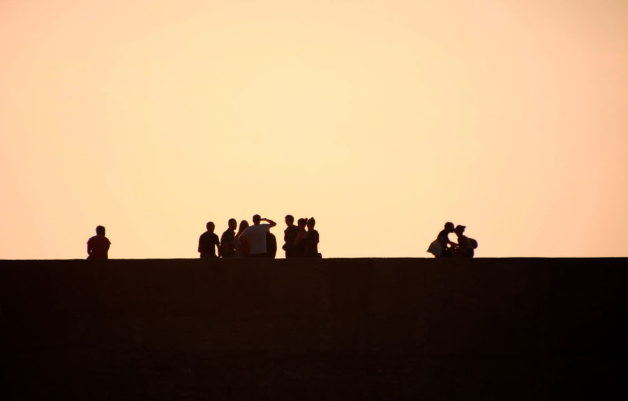 Been There. El Malecón, La Havana Havana, Cuba Havanna, Cuba Kiss Malecon Clear Sky Day Large Group Of People Men Nature Outdoors People Silhouette Sky Standing Sunset Togetherness Young Adult