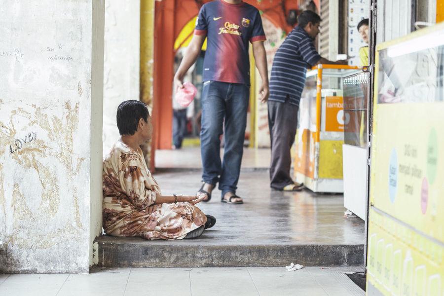 Beggar City Life Day Kuala Lumpur Malaysia Malaysian Poor  Street Streetphotography Woman