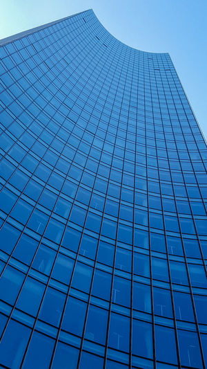 Architecture Bank Bankfurt Building Exterior Built Structure City Clear Sky Day EyeEm Frankfurt Frankfurt Am Main Hochhaus Low Angle View Modern No People Outdoors Pupparazzi Skyline Skyline Frankfurt Skyscraper Windows Minimalist Architecture The Graphic City