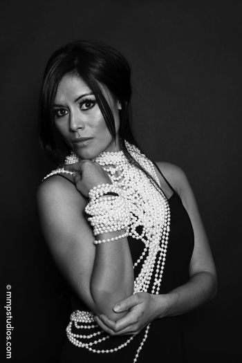 @melvinmaya @mmpstudios_com Beautiful Houston Texas Beautiful Woman Beauty Black Background Blackandwhite Cannon Fashion Followme Gorgeous Jewelry Looking At Camera Model Necklace One Person Pearl Jewelry Pearls Photographer Photography Portrait Studio Shot Young Adult