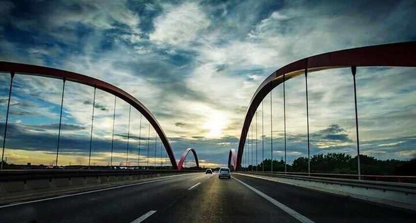 BRÜCKEN A42 NRW Autobahn Himmel Adapted To The City