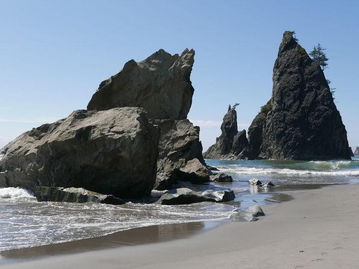 Beach Rock - Object Rock Formation Rock In The Sea Sea Sea And Sky Seascape Seaside Water Wave Breaking