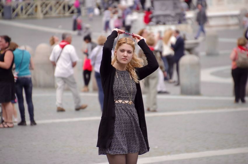Italy Italia Rome Roma Vanticano At Basilica Di San Pietro In Vaticano Beautiful Girl Candid Photography Candidshot