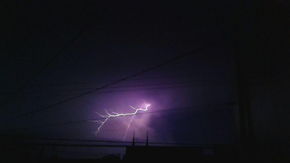 Lightning Thunderstorm Storm Power In Nature Nature Night Tormenta Lluvia Relampago
