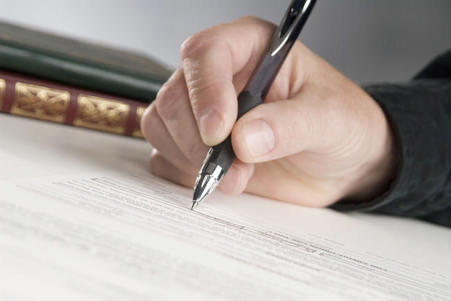 Signature Adult Business Businessman Close-up ContracTSigning Document Handwriting  Holding Horizontal Composition Human Body Part Human Hand Indoors  One Person Paper Paperwork Pen Signature Signing Writing
